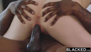 Arresting girl is hunk with raunchy oral sex